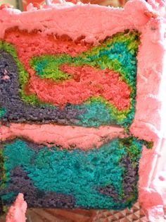 Love the colors in this rainbow cake!