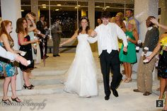 © Favorite Photography | Riverside Presbyterian Church | Downtown Jacksonville Florida Wedding Location | Confetti Wedding Send-Off
