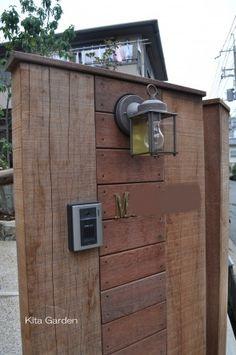 アイアンウッドの素朴な門柱(吹田市外構)5