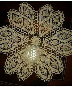 Vintage Crochet Pattern To Make Daffodil Flower Doily Mat Motif Centerpiece colorful homedecor colorfulhome homeaccents colors Crochet Books, Crochet Home, Thread Crochet, Filet Crochet, Doily Patterns, Knitting Patterns, Crochet Patterns, Crochet Borders, Crochet Motif