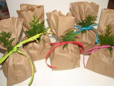 brown paper packages tied up with string | Brown paper packages tied up with strings! | confezioni regalo