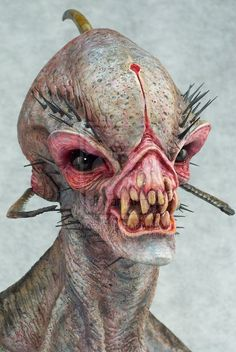 Alien+Visitor+close+by+mangrasshopper.deviantart.com+on+@deviantART