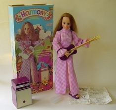 This is the other doll I had....hummm..she looks like the Crissy doll!