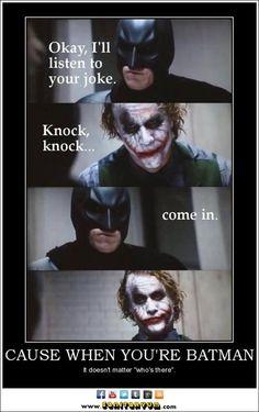 -J'écoute ta blague.  -Toc, toc...  -Entre. -...