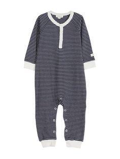 NewbieEn stripete pyjamas i myk økologisk bomull. - Rund hals med knepping foran - Knepping i skrittet ned langs benet- Ribbekant rundt mansjettene og nederst på bena - Med føtter i størrelsene 44, 50 og 56- Liten Newbie-applikasjon i ermeåpningene- 100%...