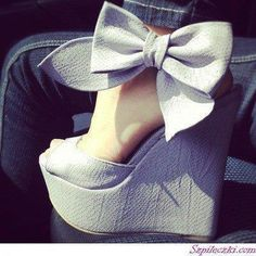 So cute! Bow Shoes, Wedge Shoes, Wedge Sandals, Cute Shoes Heels, Bow Sandals, Grey Heels, Sandal Wedges, Heeled Sandals, Nike Shoes