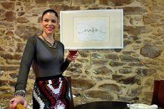 8 Rincones con Encanto para comprar en Santiago de Compostela. Leather Skirt, Sequin Skirt, Sequins, Skirts, Fashion, Shopping, Santiago De Compostela, Moda, Skirt