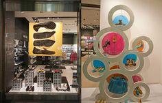 Оригинальный дизайн витрины магазина GEOX в Будапеште