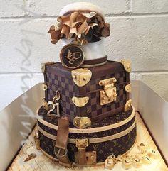 𝐥𝐨𝐯𝐞 𝐦𝐲 𝐩𝐢𝐧𝐬? 💎 𝚏 𝚘 𝚕 𝚕 𝚘 𝚠 … – Lace Wedding Cake Ideas 21st Birthday Cakes, Birthday Cakes For Women, Happy Birthday, Fancy Cakes, Cute Cakes, Louis Vuitton Torte, Bolo Gucci, Beautiful Cakes, Amazing Cakes