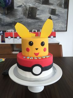 Pokemon Cake Pikachu Pokeball