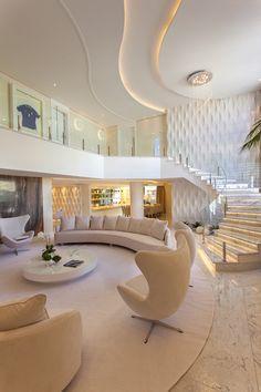 44 Elegant Living Room Staircase Design Ideas - Home Accents living room Elegant Living Room, Elegant Home Decor, Elegant Homes, Modern Living, Modern Room, Small Living, Modern Home Interior Design, Dream Home Design, Modern House Design