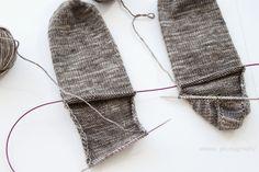 anana: Villasukat pyöröpuikolla varpaista varteen, kaksi kerralla! [kuvallinen ohje] Knit Crochet, Knitting, Crafts, Heels, Fashion, Heel, Moda, Manualidades, Tricot