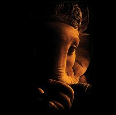 Make this Ganesha Chathurthi 2020 special with rituals and ceremonies. Lord Ganesha is a powerful god that removes Hurdles, grants Wealth, Knowledge & Wisdom. Jai Ganesh, Ganesh Lord, Ganesh Idol, Shree Ganesh, Ganesha Drawing, Lord Ganesha Paintings, Ganesha Art, Ganesha Pictures, Ganesh Images