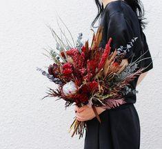 souiさんはInstagramを利用しています:「Bouquet . . . ★お問い合わせありがとうございます★ HPよりお問い合わせ頂きましたお客様で 自動返信メールが届かない場合は soui@soui-web.jp より メール受信出来るよう 設定をお願いいたします . . . #ブーケ #ドライフラワー…」 Christmas Wreaths, Holiday Decor, Instagram, Christmas Swags, Christmas Garlands, Advent Wreaths