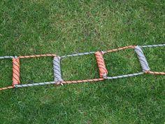 How to Make a Rudimentary but Sturdy Emergency Rope Ladder