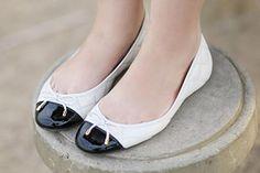 4 jeitos de usar: Sapatilha branca e preta