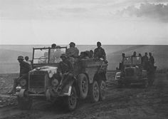 Magyar troops on Botonds Germany Ww2, Tactical Equipment, Bad Picture, Defence Force, Military Photos, Troops, Soldiers, World War Ii, Military Vehicles
