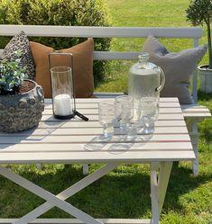 Duka fram för en fika i trädgården. Detaljer ifrån www.butik47.se Table, Furniture, Home Decor, Interior Design, Home Interior Design, Desk, Tabletop, Arredamento, Desks