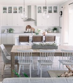 Kitchen Inspo via Pure Salt Interiors Decor, Kitchen Chairs, Farmhouse Dining, Interior, Home, Dining, Dining Room Design, Craftsman Interior, White Dining Chairs