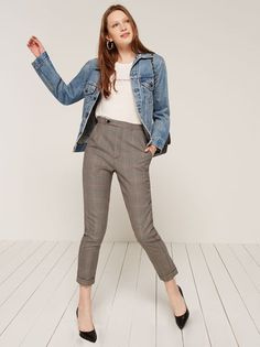 Back to work, ladies. This is a high waisted, ankle length trouser with side and back pockets.