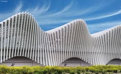 The futuristic High Speed train station designed by Santiago Calatrava Reggio Emilia Italy photo by Stefano Landenna - Photorator Santiago Calatrava, Reggio Emilia Italy, Speed Training, Train Station, Contemporary Architecture, Futuristic, Illusions, Facade, Waves