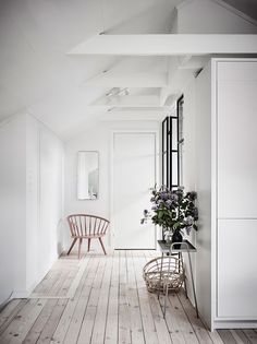 Gravity Home: Bright Apartment with Dreamy Bedroom Apartment Interior, Gravity Home, Interior Design, House Interior, Home, Bright Apartment, My Scandinavian Home, Hallway Designs, Home Decor