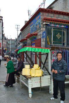 VENTA DE MANTEQUILLA DE YAK, EN LHASA, TIBET ||| Yak Butter - Jokhar, Lhasa, Tibet