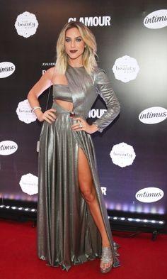 Giovanna Ewbank posa para foto no prêmio Geração Glamour em São Paulo