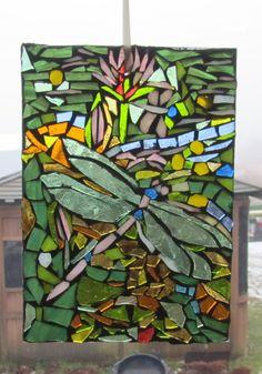 dragonfly mosaic by elsa Cd Wall Art, Mosaic Wall Art, Panel Wall Art, Mosaic Mirrors, Mosaic Crafts, Mosaic Projects, Mosaic Ideas, Stone Mosaic, Mosaic Glass