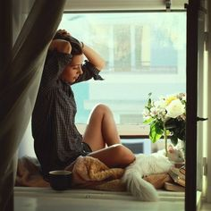 Girls at Windows. Going to be a lovely day . Poses, Bonheur Simple, Easy Like Sunday Morning, Happy Morning, Morning Sun, Saturday Morning, Relax, How To Pose, Belle Photo