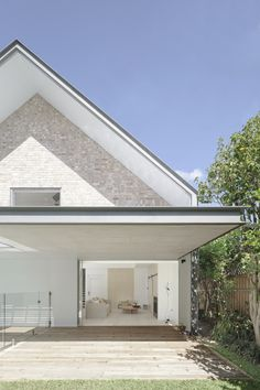House Maher, located in the leafy suburb of Willoughby on Sydney's north shore- tribe studio