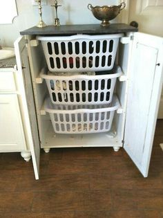 🌤 A laundry basket dresser~ An EXCELLENT IDEA! Instead of a huge pile of dirty laundry in the corner of the room. (For bthrms or laundry rms) Do It Yourself Furniture, Do It Yourself Home, Diy Furniture, Laundry Basket Dresser, Plastic Laundry Basket, Laundry Basket Holder, Washing Basket, Diy Laundry Baskets, Dresser To Bench
