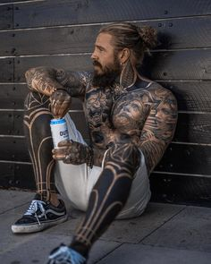 Who else is into energy drinks? 🙋♀️ Just spent an amazing weekend getting on board with the team. Full Body Tattoo, Body Tattoos, Life Tattoos, Tatoos, Beard Tattoo, I Tattoo, Tatuagem Old Scholl, Boys Lindos, Tattoo Bauch