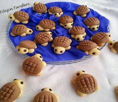 Çocukların çok seveceği bu şirin kurabiyelerden yapmak isteyenler videolu anlatım sayesinde kolayca yapabilirsiniz..