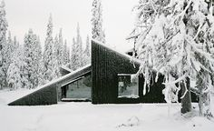 Playing with the ideas of nature and the unexpected, Norwegian architecture studio Vardehaugen has created the Vindheim Cabin, a well-hidden modern forest dwelling that was conceived as a surprise, to be discovered by passers-by while hiking. Situa...