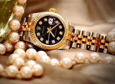 Rolex and pearls... Amazing!