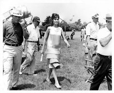 """Mary Tyler Moore about to film a scene for """"Thoroughly Modern Millie"""" (1967)"""