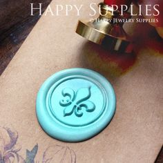 Hey, I found this really awesome Etsy listing at http://www.etsy.com/listing/156523139/1pcs-fleur-de-lys-gold-plated-wax-seal