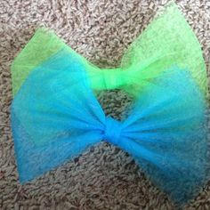 Tulle hair bow (one color)