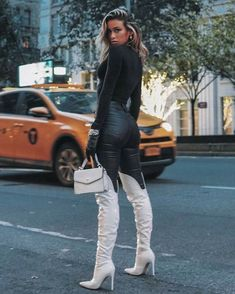Boots and things White Knee High Boots, Thigh High Boots Outfit, White Boots, Sexy Boots, Knee Boots, Tom Ford Jacket, Winter Boots Outfits, Blonde Women, Sexy Jeans