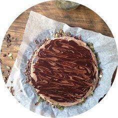 Double chocolate cheesecake raw chocolate, vegan, gluten-free, sugar-free, paleo