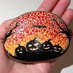 #halloween #halloween2016 #paintedrocks #paintedstones #bats #pumpkin #etsyshop #createandcherish