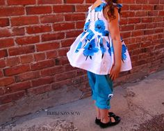 mama says sew: Forget Me Knot Top