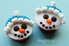 Vanilla Snowman Cupcakes with Vanilla Icing - No oil or butter required and they come out delicious!