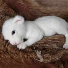 Cute Needle felted project wool animals white lion (Via @annaryasnova)