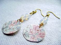 Hey, I found this really awesome Etsy listing at https://www.etsy.com/listing/187958741/paper-and-white-opalite-earrings-flower