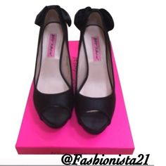 Betsey Johnson CHARMIE Black Bow Peep Toe Shoes 6M HPx2 Adorable Betsey Johnson CHARMIE shoes. Fabric upper. Mint condition. Pre owned, but I wore them only 2x.  I loved looking at them but alas I am no longer a 6. Leopard bottom with gold tone emblem. Betsey Johnson Shoes Heels