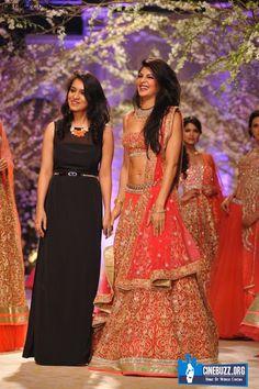 Hot Jacqueline Fernandez walks the ramp at the India Bridal Fashion Week