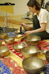 sound energy healing Tibetan bowl school healing
