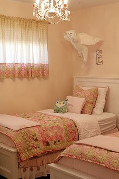 Ha ha!! Definitely gotta get A a flying kitty to hang above her bed!!